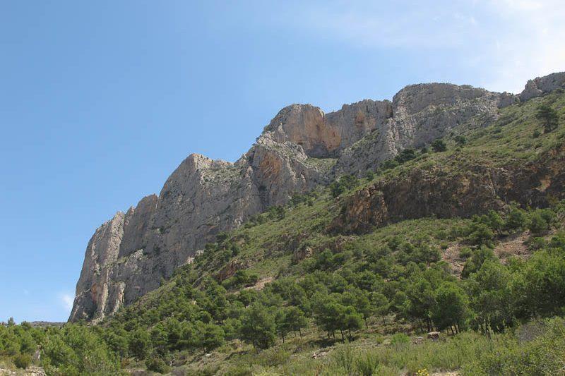 Turismo de Montaña en Alicante. Ruta de senderimso por el Cabezo D'Or en Busot